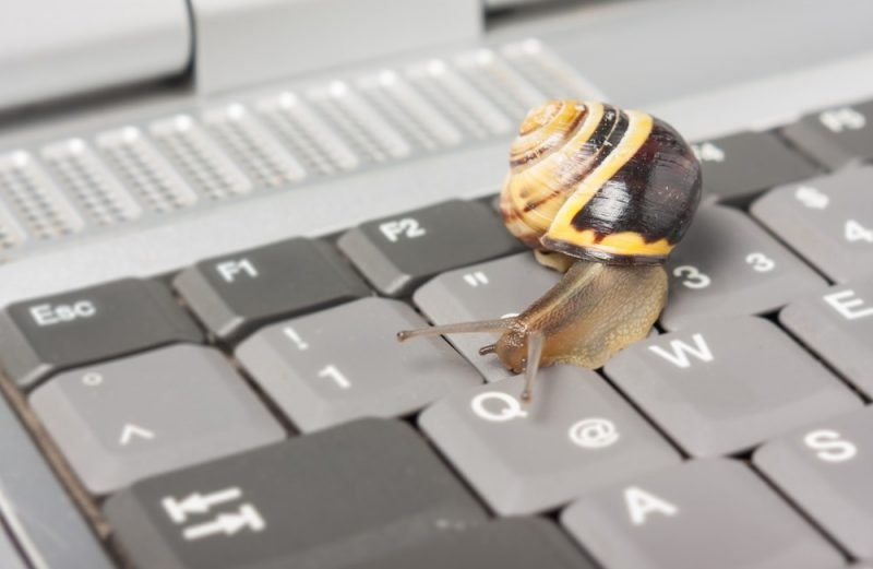 Laptopul merge greu